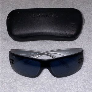 CHANEL Sunglasses Navy CC rhinestones CASE